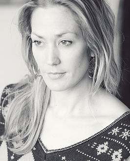 white-and-black-portrait-gemmina